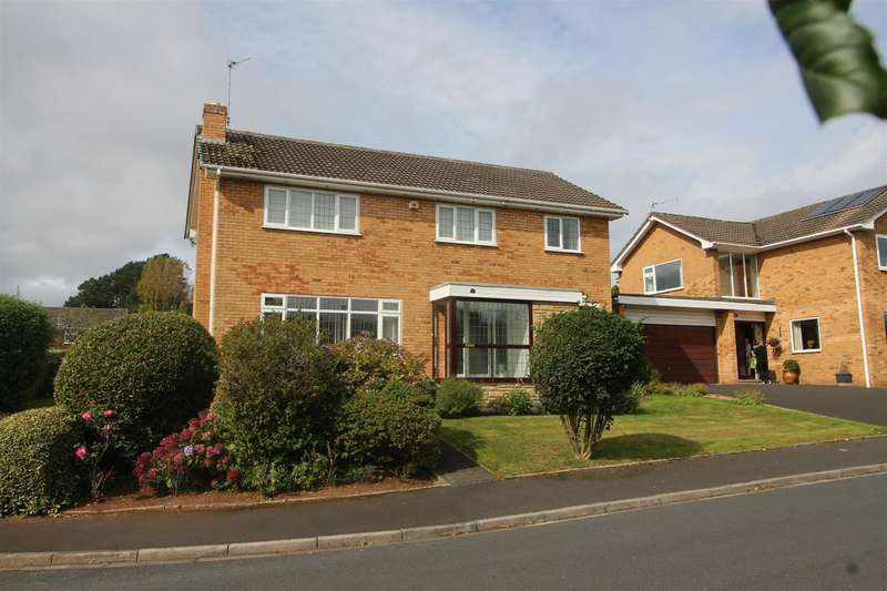 4 Bedrooms Detached House for sale in Moorland Park, Gayton, Wirral, CH60 8QJ