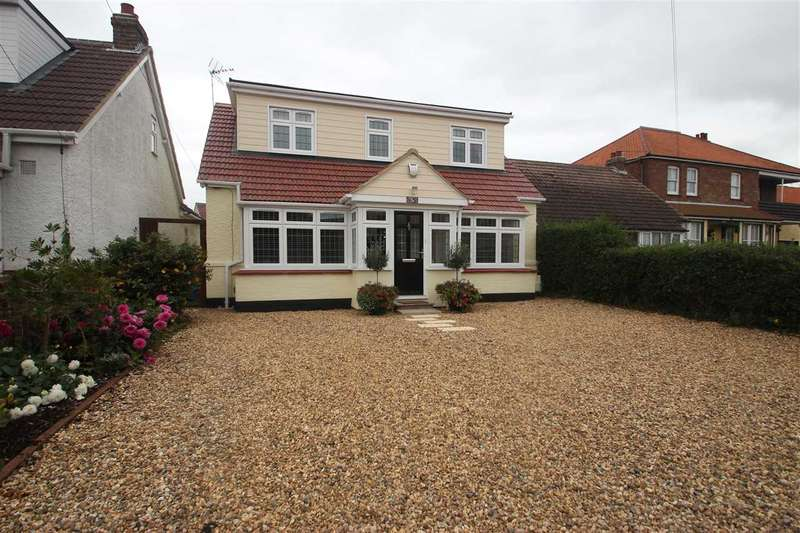 3 Bedrooms Detached House for sale in Coppins Road, Clacton-On-Sea
