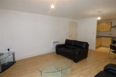 2 Bedrooms Flat for rent in The Overhead, Sefton Street, L8