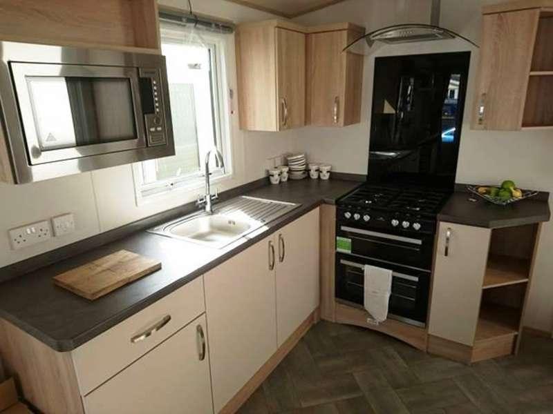 3 Bedrooms Park Home Mobile Home for sale in ABI Blenheim - St. Osyth