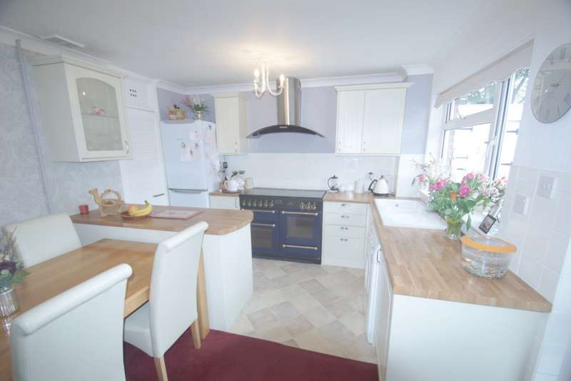 2 Bedrooms Terraced House for sale in Overstand Close, Beckenham