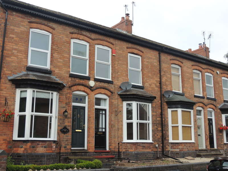 2 Bedrooms Terraced House for sale in Fentham Road, Hampton-In-Arden, Solihull