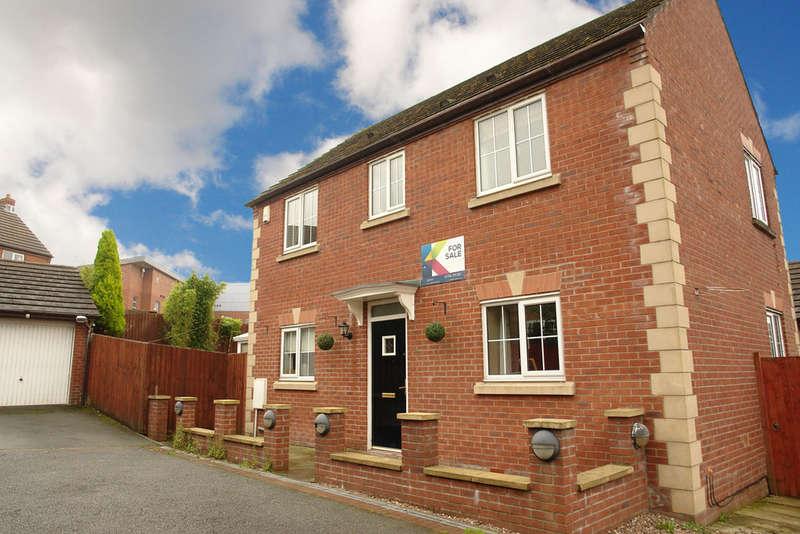 3 Bedrooms Detached House for sale in 7 Goldsworth Road, Moorside