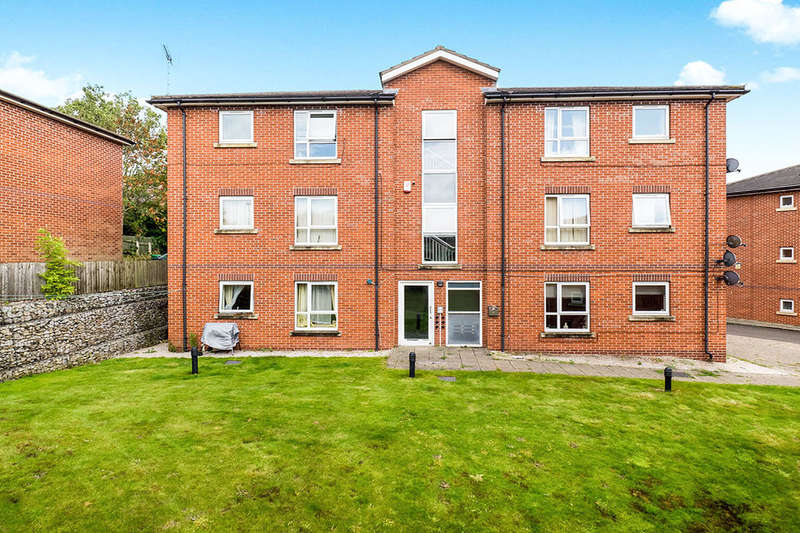 2 Bedrooms Flat for sale in Hendon Rise, Nottingham, NG3