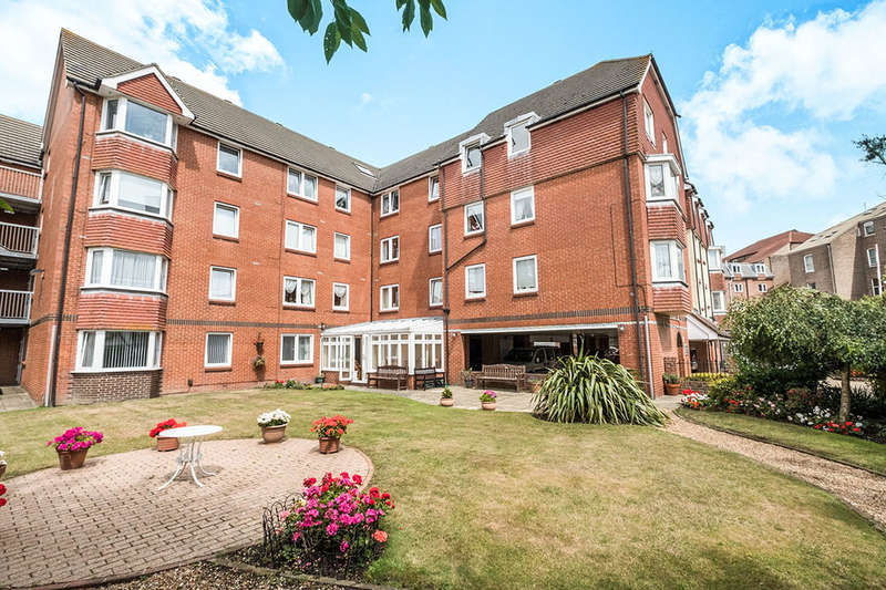 2 Bedrooms Flat for sale in Granada Road, SOUTHSEA, PO4