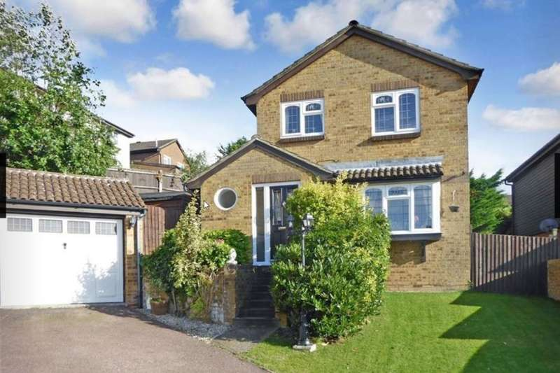 3 Bedrooms Detached House for sale in Woodchurch Close, Chatham, ME5