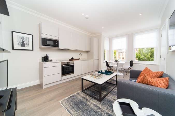 1 Bedroom Flat for sale in Grove Park Gardens, Chiswick