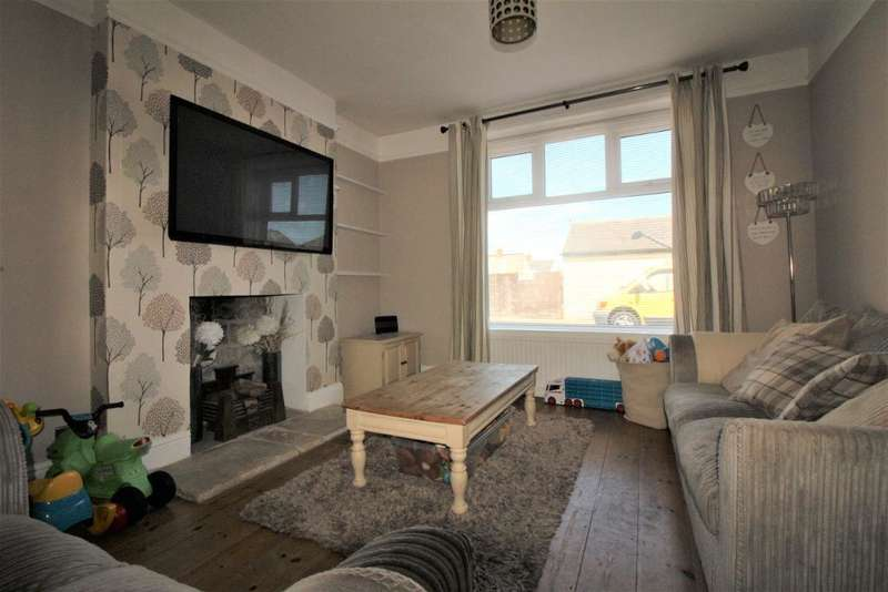 3 Bedrooms End Of Terrace House for sale in Clarence Road, Portland, Dorset, DT5 2BA