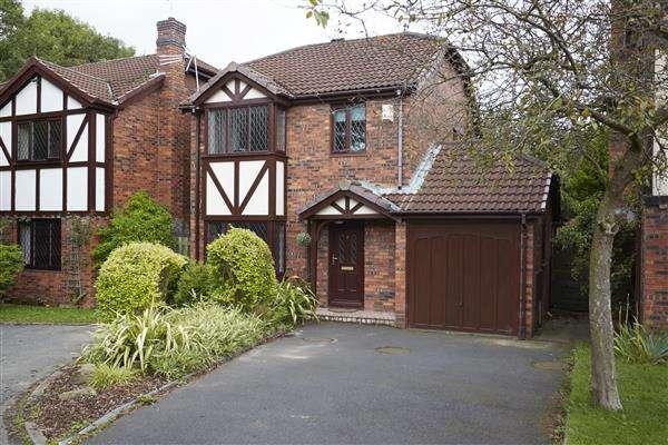 3 Bedrooms Detached House for sale in Grant Close, Old Hall, Warrington