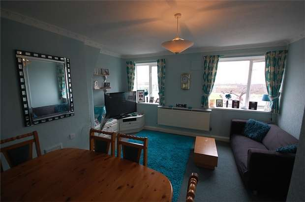 2 Bedrooms Flat for sale in Eccles New Road, SALFORD, Greater Manchester