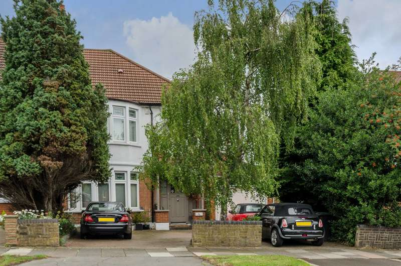 5 Bedrooms Semi Detached House for sale in Bourne Hill, Palmers Green, N13