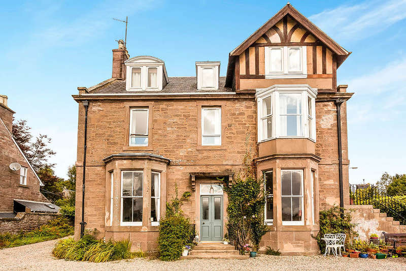 4 Bedrooms Flat for sale in Park Road, Brechin, DD9