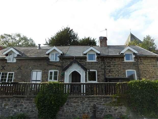4 Bedrooms Detached House for sale in Llandinam, Llandinam, Powys