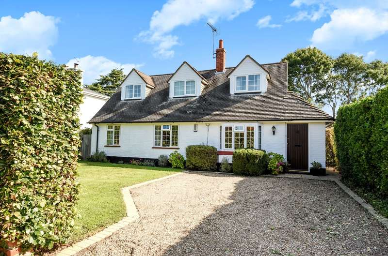 4 Bedrooms Detached House for sale in Sunnyway, Bosham, PO18