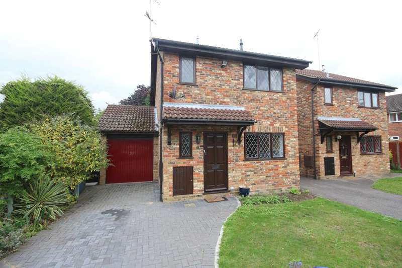 3 Bedrooms Detached House for sale in Emery Down Close, Martin`s Heron