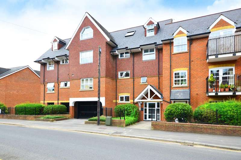 2 Bedrooms Flat for sale in Sydenham Road, Guildford, GU1