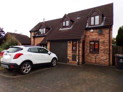 3 Bedrooms Semi Detached House for sale in Greensmith Way, Westhoughton, Bolton, Greater Manchester, BL5