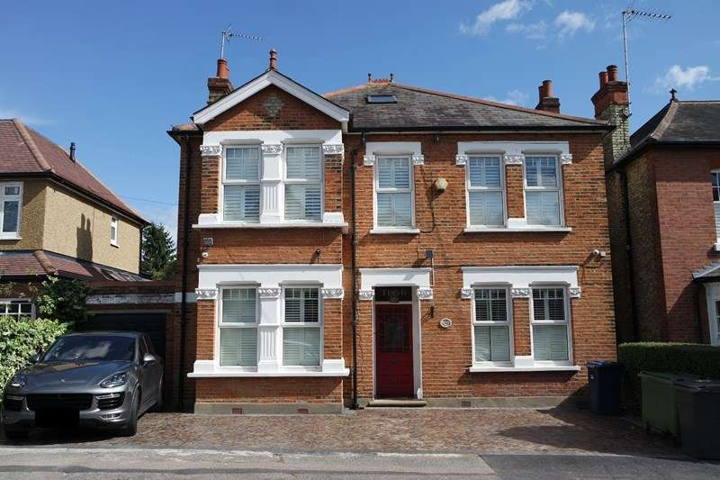 5 Bedrooms Detached House for sale in Hadley Road, Barnet
