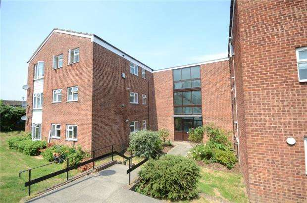 2 Bedrooms Apartment Flat for sale in Lovejoy Lane, Windsor, Berkshire