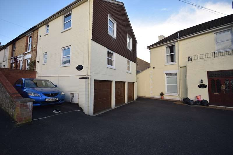 1 Bedroom Flat for sale in Bower Street, Maidstone, Kent, ME16