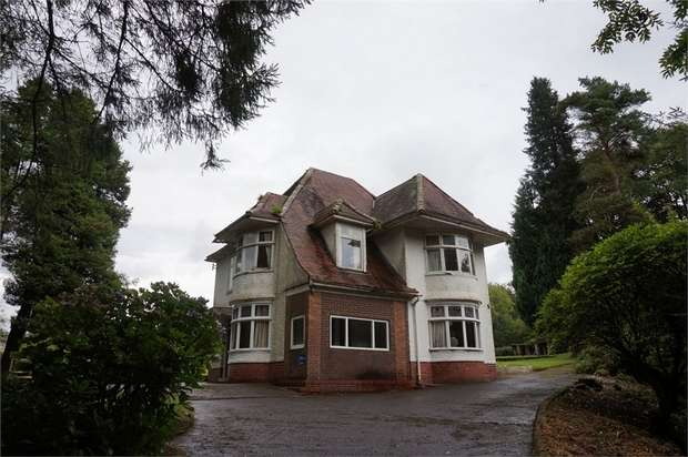 4 Bedrooms Detached House for sale in Neath Road, Crynant, Neath, West Glamorgan