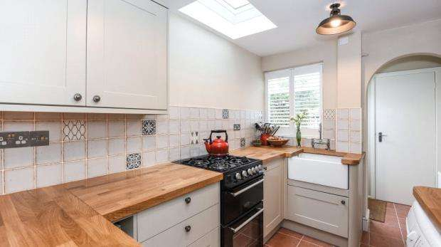 2 Bedrooms End Of Terrace House for sale in High Street, Wargrave, Reading