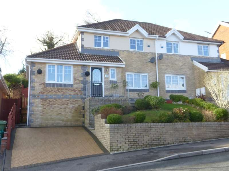 3 Bedrooms Semi Detached House for sale in Graig Y Mynydd, Thomastown, Porth