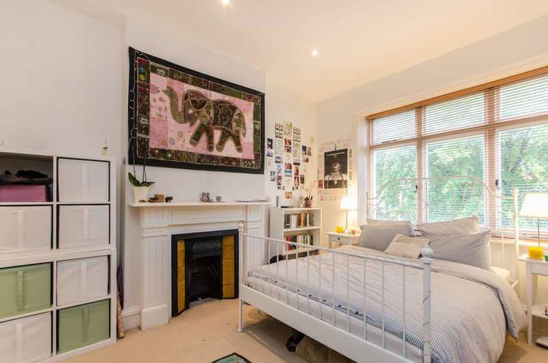 3 Bedrooms Flat for sale in Chatsworth Road, Mapesbury Estate, NW2
