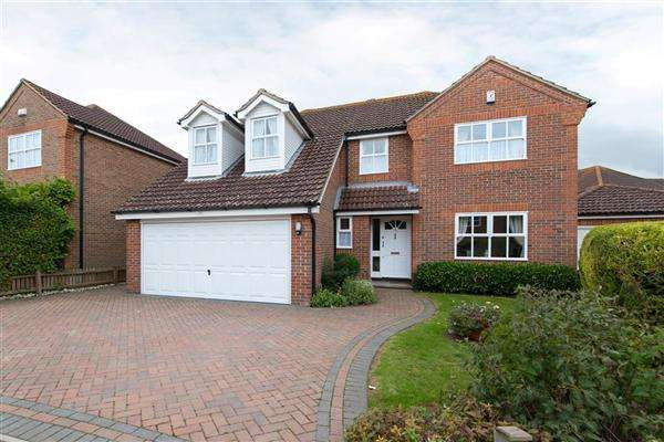 5 Bedrooms Detached House for sale in Ealham Close, Canterbury