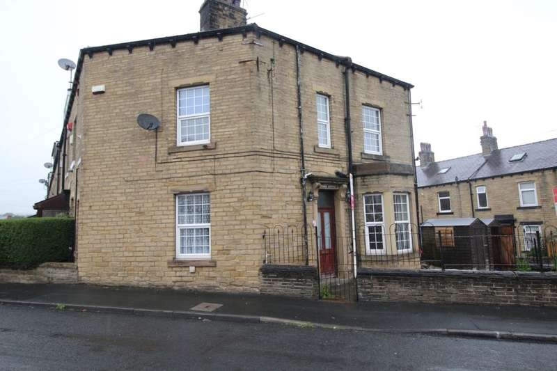 3 Bedrooms Terraced House for sale in East Park Road, Halifax, HX3