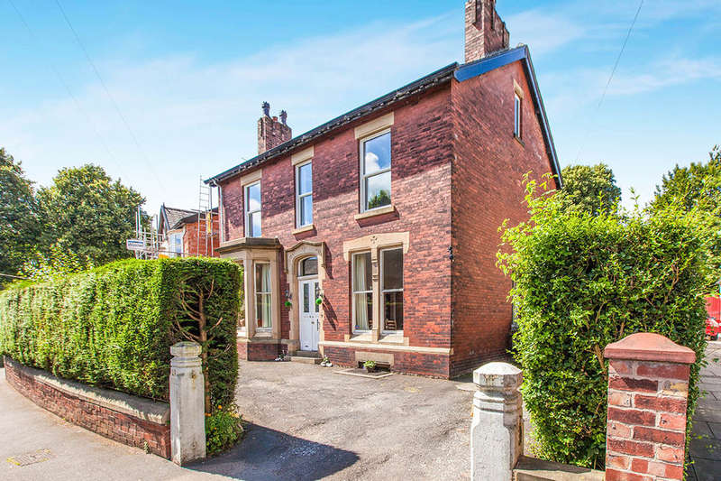5 Bedrooms Detached House for sale in Powis Road, Ashton-On-Ribble, Preston, PR2
