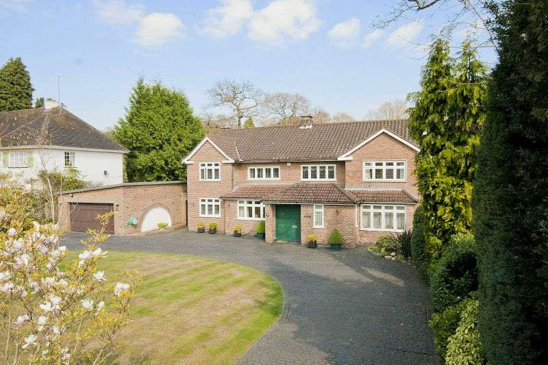 5 Bedrooms Detached House for sale in Linksway, Northwood