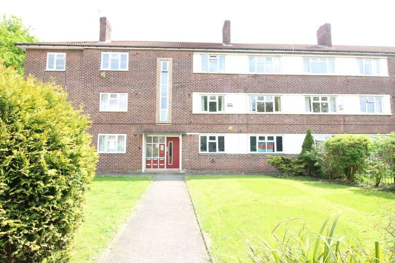 2 Bedrooms Flat for sale in Wardle Close, Stretford, Manchester, M32
