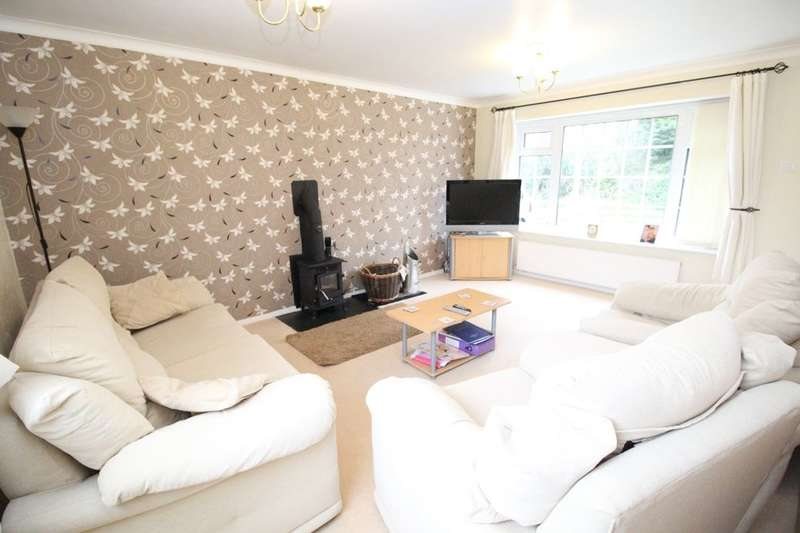 3 Bedrooms Detached House for sale in Parkfield Gardens, Scarborough, YO12