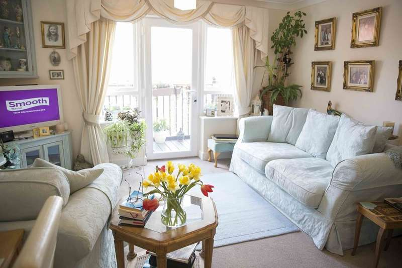 1 Bedroom Flat for sale in St Bartholomew's Court Kiln Drive, Rye Foreign, Rye, TN31