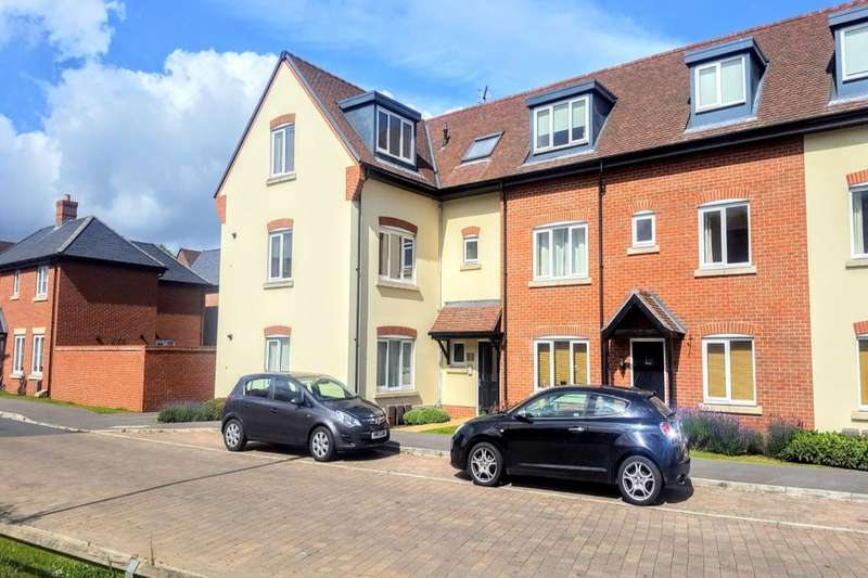 2 Bedrooms Flat for sale in St. Georges Road, Denmead, Waterlooville, PO7