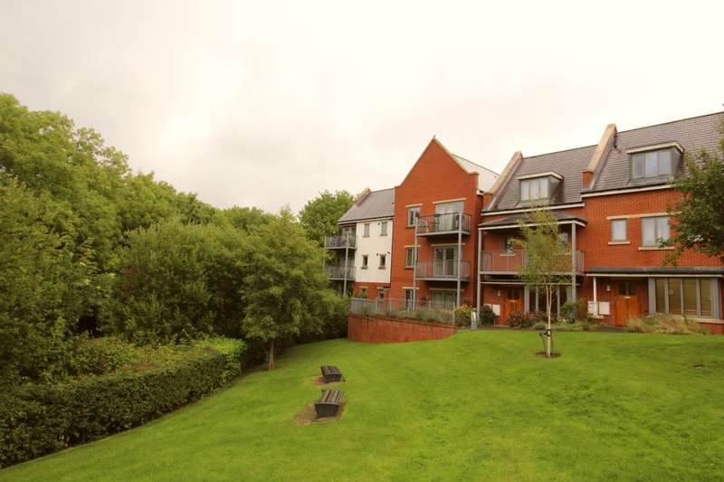 2 Bedrooms Flat for sale in Shorters Avenue, Birmingham, B14