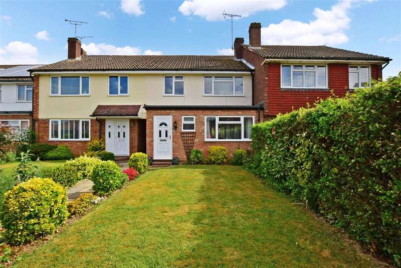 3 Bedrooms Terraced House for sale in Grasmere Road, Kennington, Ashford, Kent