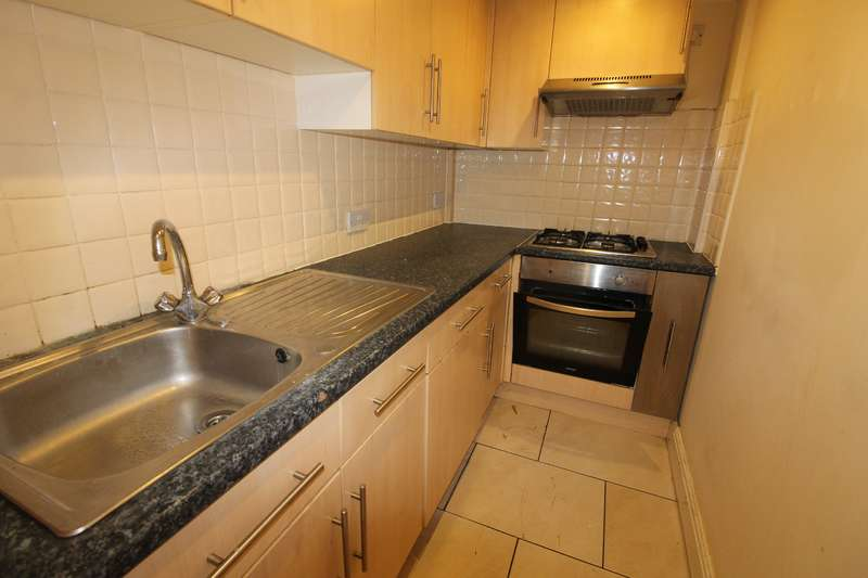 4 Bedrooms Flat for rent in Bedford Street, Cathays, Cardiff