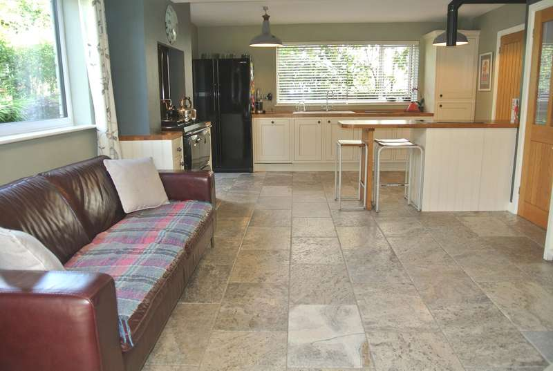 4 Bedrooms Detached House for sale in The Park, Blaenavon, Pontypool, NP4