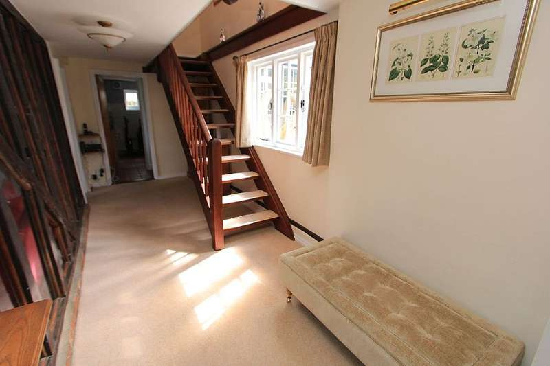 5 Bedrooms Detached House for sale in The Green, White Notley, Witham, Essex, CM8 1RG