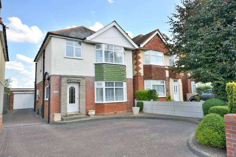 3 Bedrooms Detached House for sale in Wimborne Rd, Poole, BH15