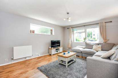 1 Bedroom Flat for sale in Albemarle Road, Beckenham