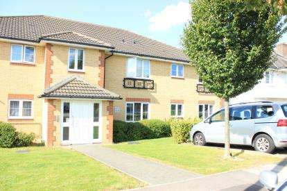 1 Bedroom Flat for sale in Herent Drive, Ilford