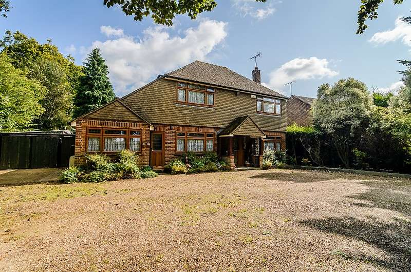 3 Bedrooms Detached House for sale in Addlestone