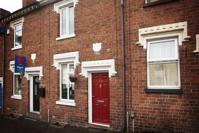 2 Bedrooms Terraced House for sale in Bridgnorth Road, Wollaston, Stourbridge