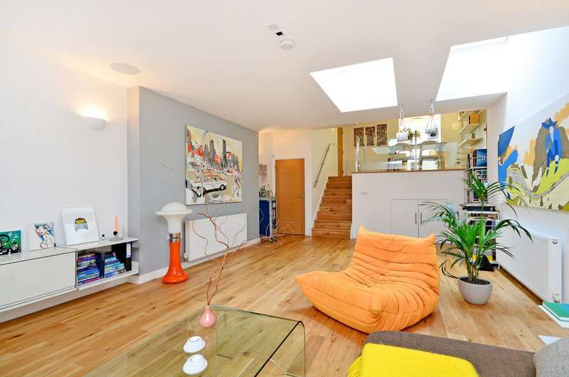 3 Bedrooms House for sale in Batley Place, Stoke Newington, N16