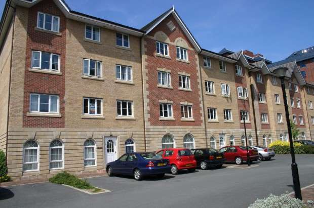 2 Bedrooms Apartment Flat for sale in LabradorQuay Labrador Quay, Salford, M50