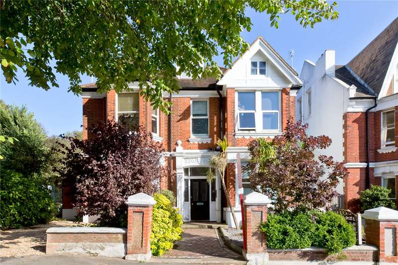 2 Bedrooms Flat for sale in Hove Park Villas, Hove, East Sussex, BN3