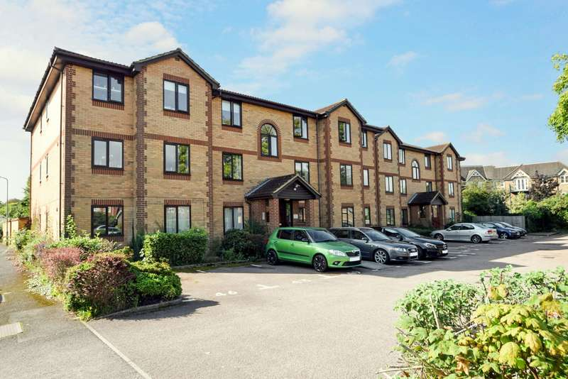 2 Bedrooms Flat for sale in Kinnaird Close, Slough, SL1